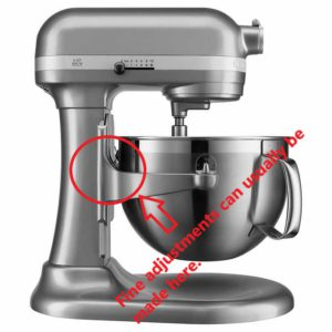 Adjustable stand mixer