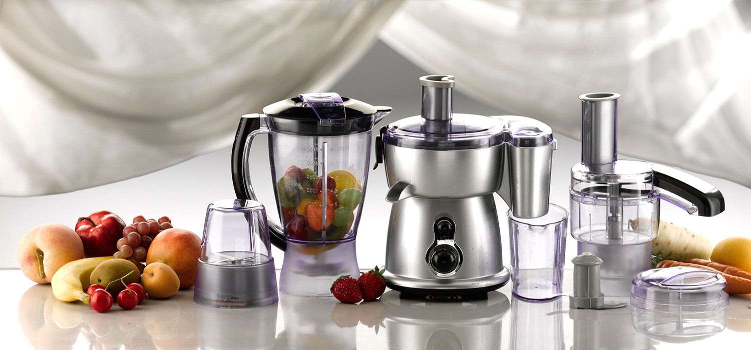 Different Types of Juicers With Small Fruit